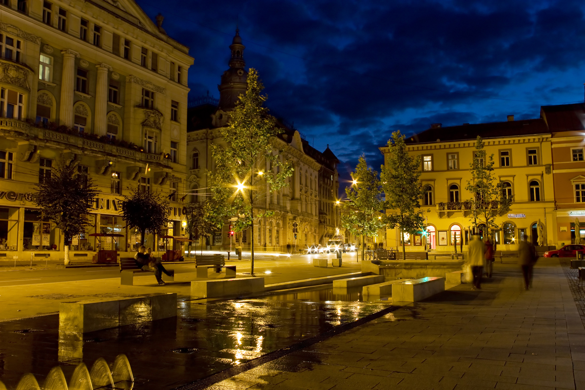 City center Cluj-Napoca, by night